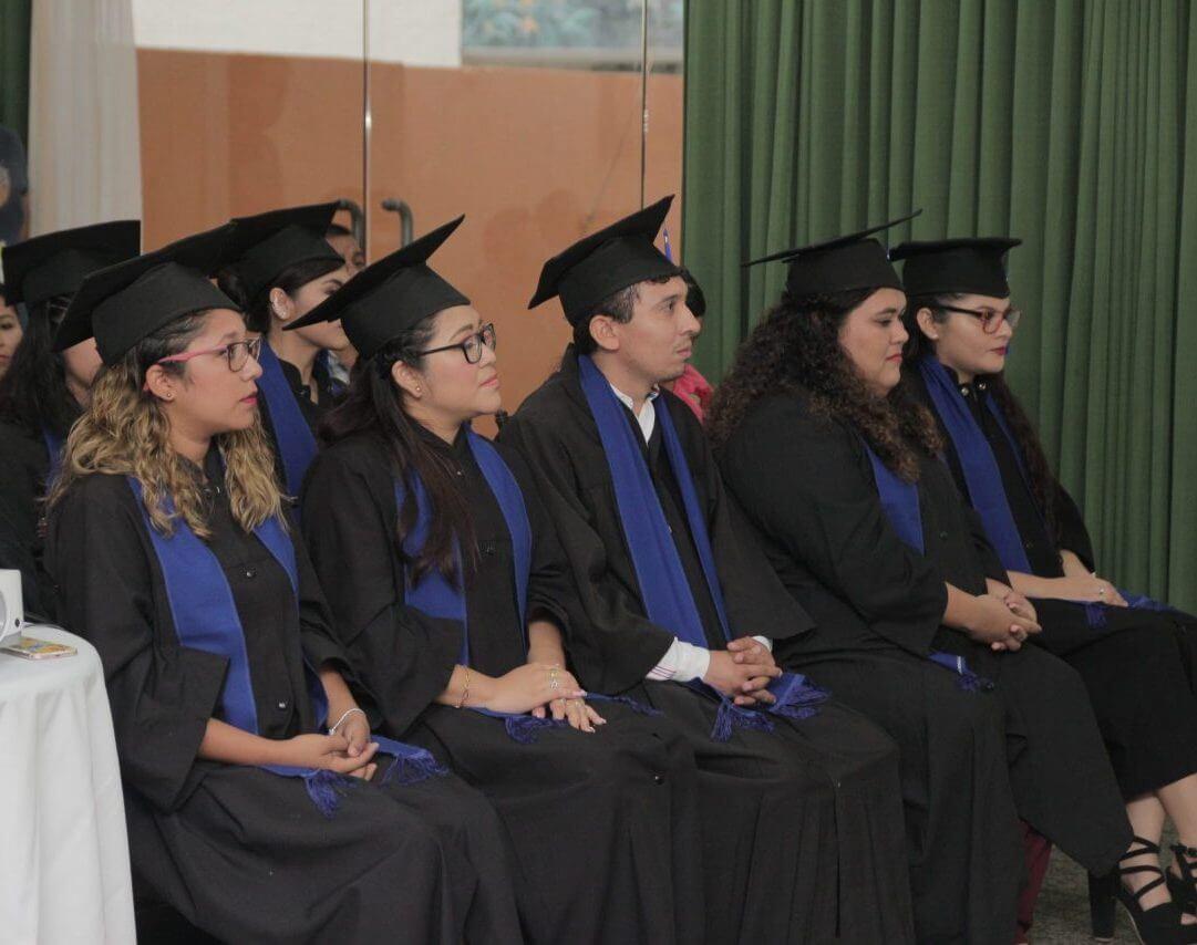 Graduacion Estudiantes CESS